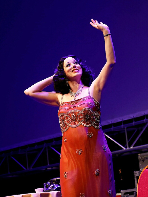 BWW Review: HEDY! THE LIFE & INVENTIONS OF HEDY LAMARR at BB's Stage Door Canteen At The National WWII Museum