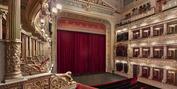 Znovuotev��en�� divadla v Praze Photo