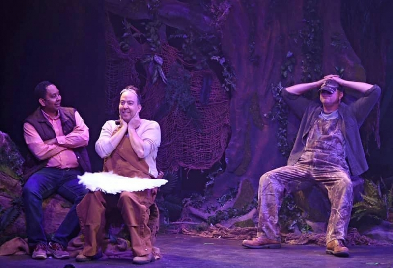 BWW Review: Cumberland County Playhouse's DUCK HUNTER SHOOTS ANGELS Makes You Laugh, Makes You Think