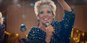 Jessica Chastain Shows Off Her Voice in THE EYES OF TAMMY FAYE Trailer Video