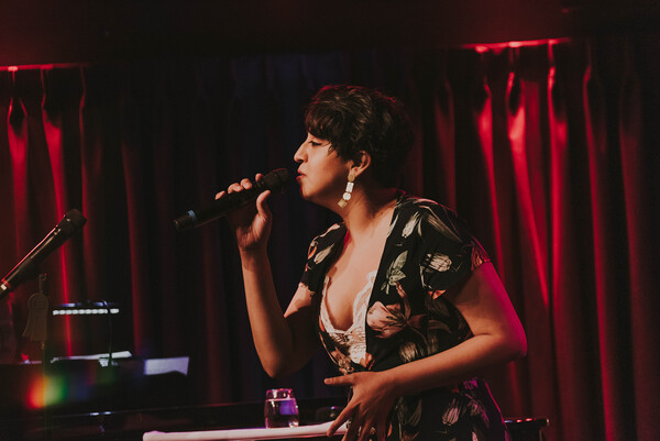Photos: Travis Moser Brings THE SONGS OF LINDA RONSTADT to The Green Room 42