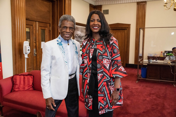 Andre De Shields and St. Louis Mayor Tishaura O. Jones     Photo