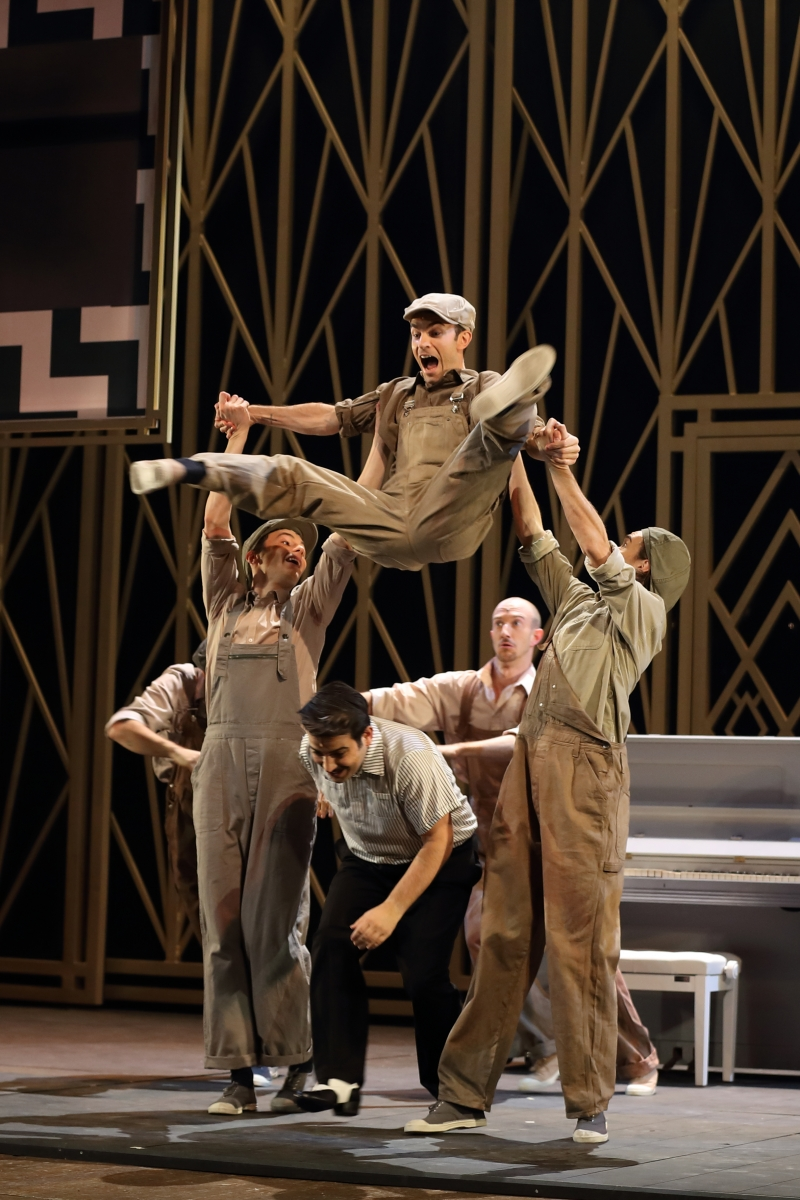 BWW Review: SINGIN IN THE RAIN at Opéra Massy
