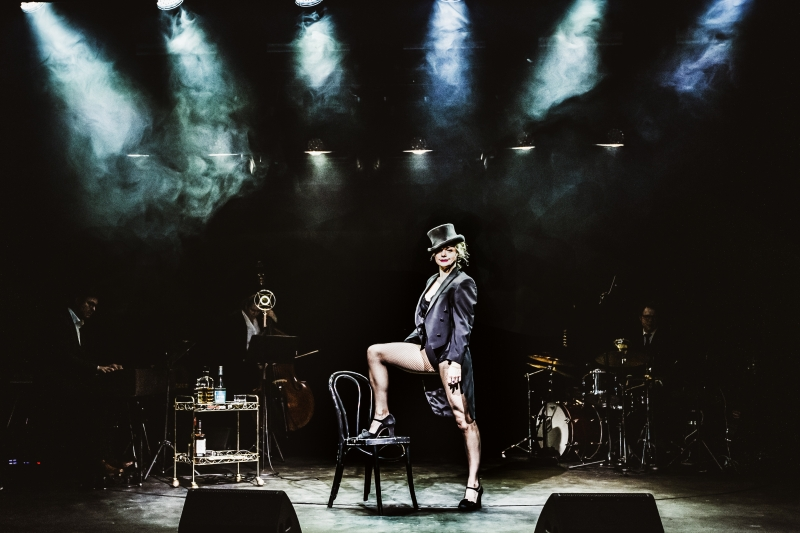 BWW Review: STARDUST at Chat Noir - Hilde Louise Asbjørnsen Gives Star Power on Every Level