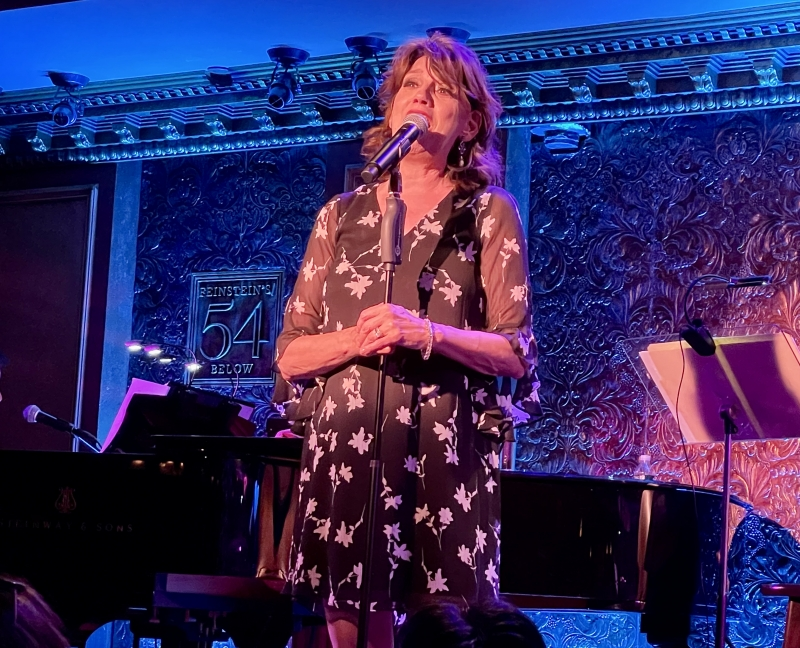 BWW Review: BETH LEAVEL: IT'S NOT ABOUT ME is a Bravura Triumph at 54 Below