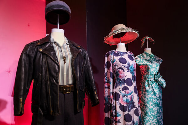 Photos: Costumes From HAMILTON, WICKED, FROZEN, and More Are on Display Now as Part of the SHOWSTOPPERS! Exhibition