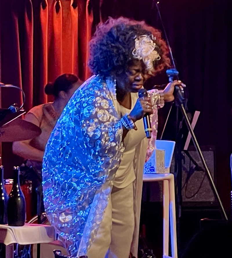 BWW Review: WE'RE BACK. LILLIAS WHITE is a Force of Nature at The Green Room 42