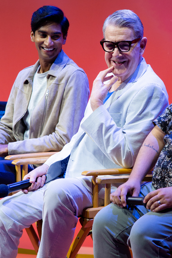 Photos: Casts of THE LION KING & ALADDIN Reunite at the New Amsterdam Theatre