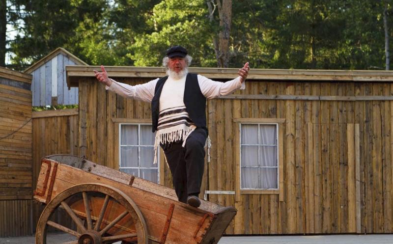 BWW Review: FIDDLER ON THE ROOF, Flateby Samfunnshus - Fiddler in the Woods