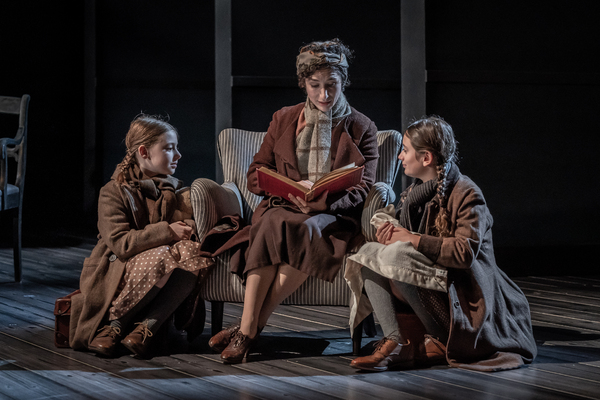 Photos: Tom Stoppard's LEOPOLDSTADT Reopens at Wyndham's Theatre