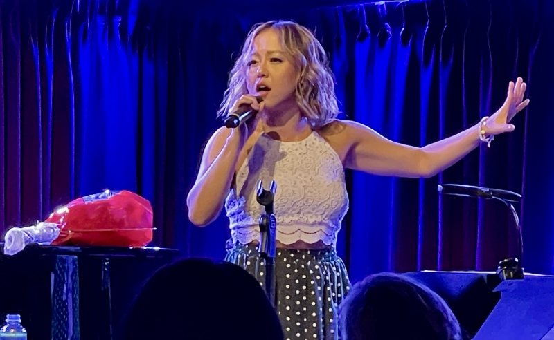 BWW Review: DIANA HUEY: FIND YOUR LIGHT Has Lots and Lots of Heart at The Green Room 42