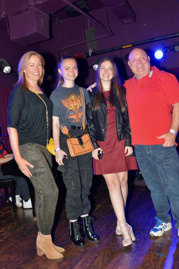 Becca Retter, Liza Retter, Bella Retter and Thommie Retter Photo