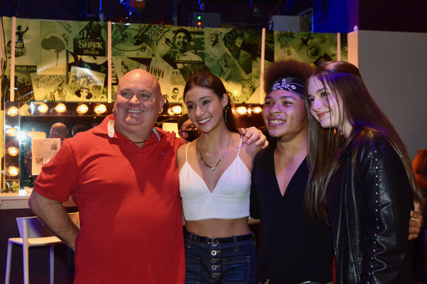 Thommie Retter, Victoria Csatay, Marquise Neal and Bella Retter Photo