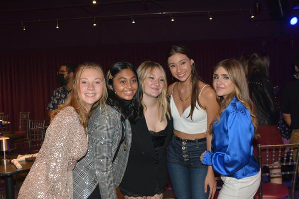 Sylvia Smith, Sway Bhatia, Isabelle Gottfried, Victoria Csatay and Amanda Swickle Photo