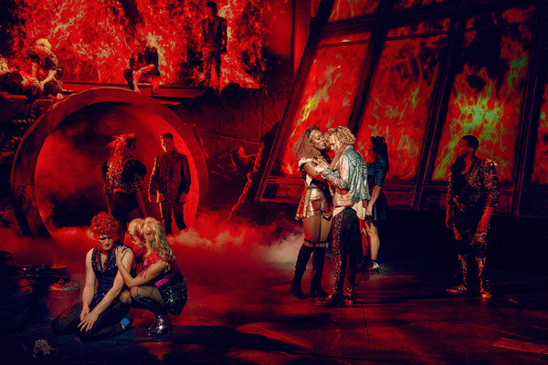 Photos: First Look at the UK Tour of BAT OUT OF HELL