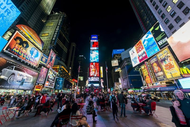IG LIVE! Sigue ¡VIVA BROADWAY! When we see ourselves desde Times Square
