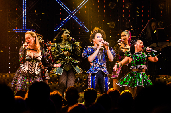 Abby Mueller, Brittney Mack, Adrianna Hicks, Anna Uzele, Samantha Pauly and Andrea Ma Photo