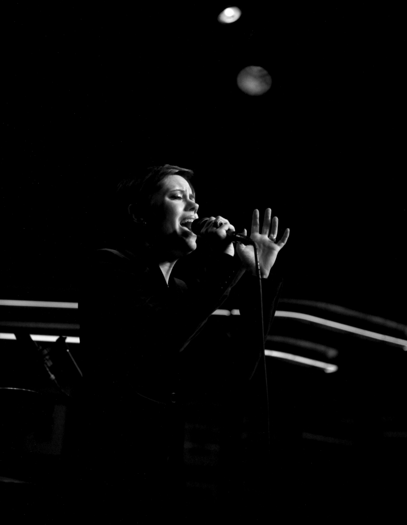 BWW Review: Ladies & Gentlemen! Carole J. Bufford... Expresses Her Excess Within Control With POETS AND PICKERS at Birdland