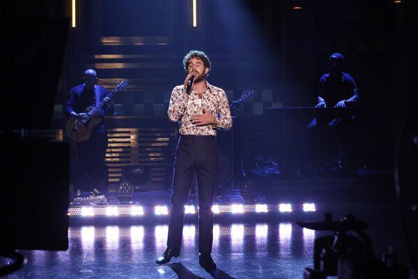 THE TONIGHT SHOW STARRING JIMMY FALLON -- Episode 1515 -- Pictured: Musical guest Ben Photo