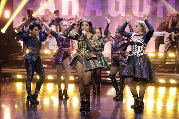 THE TONIGHT SHOW STARRING JIMMY FALLON -- Episode 1516 -- Pictured: A performance fro Photo