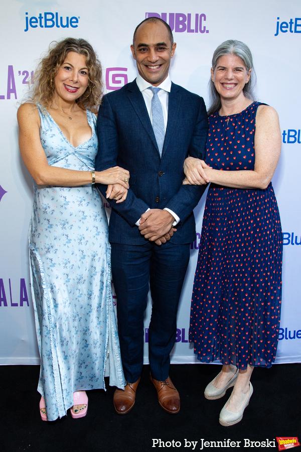 Photos: Ari'el Stachel, Reeve Carney, Eva Noblezada and More Attend the Public Theater 2021 Gala