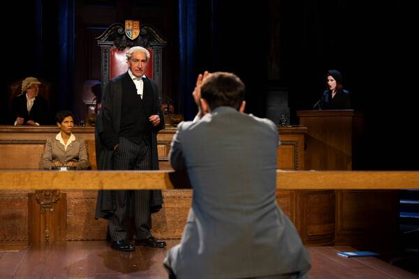Photos: First Look at WITNESS FOR THE PROSECUTION at London County Hall