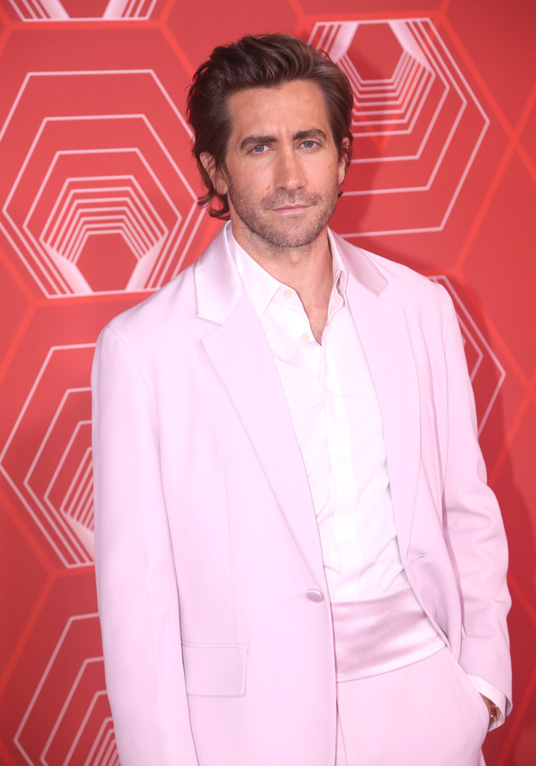 Photos: Stars Come Out to Celebrate on the Tony Awards Red Carpet!