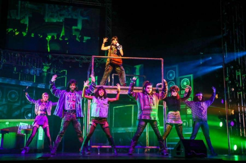 BWW Review: Theatre Under the Stars' ROCK OF AGES Blows the Roof Off of The Hobby Center