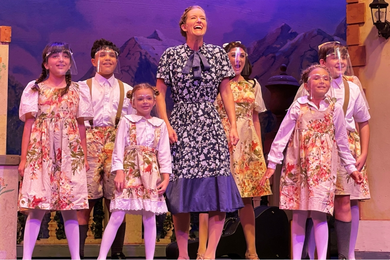 BWW Review: Broadway Palm is Alive with THE SOUND OF MUSIC!