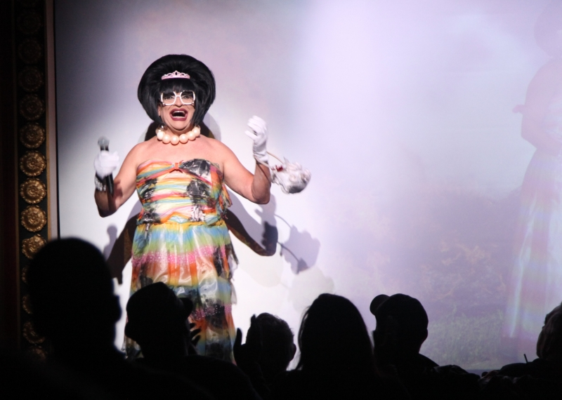 """BWW Review: This """"Beauty"""" QUEEN Spins Laughs & Holds On To Her Crown In MISS RICHFIELD 1981: 40 YEARS ON THE THRONE at The Triad"""