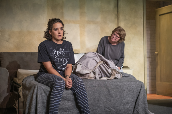 Photos: First Look at THIS WIDE NIGHT at Theater Wit