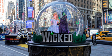 Broadway Show Globes to Return to Times Square With Designs Inspired by WICKED, THE LION K Photo