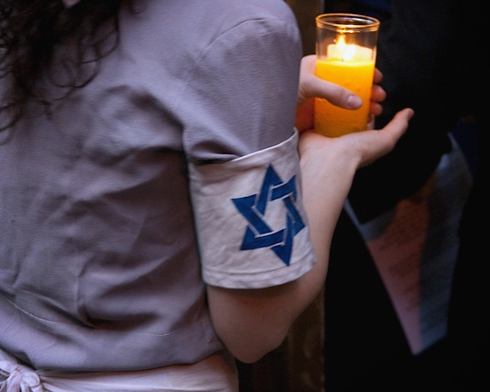 Photo Coverage: 'IRENA'S VOW' Candlelight Yom HaShoah Ceremony