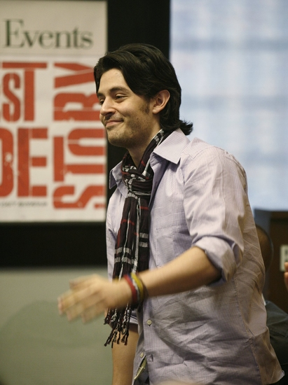 Photo Coverage: The Cast Of WEST SIDE STORY Celebrates CD Release At Barnes And Noble Lincoln Triangle