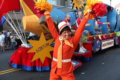 Photo Coverage: 'Looped' Star Valerie Harper At Capital Pride Parade