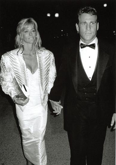 Farrah Fawcett and Ryan O'Neal 1985
