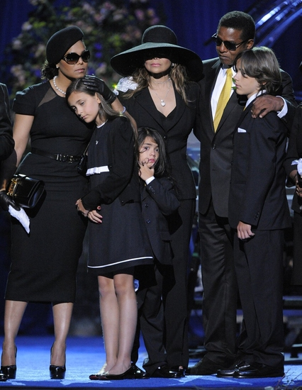 Janet Jackson, Paris Jackson, Prince Michael Jackson II, La Toya Jackson, Randy Jackson and Prince Michael I at The Michael Jackson Public Memorial Service