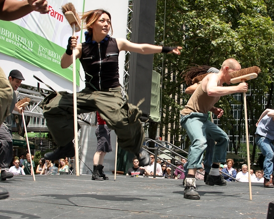 Photo Coverage: '106.7 Lite Fm Presents BROADWAY IN BRYANT PARK 2009' Begins Performances!