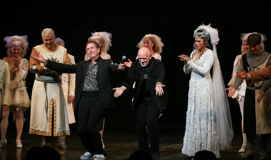 Photo Flash: 'MONTY PYTHON'S SPAMALOT' Opens at the Ahmanson Theatre