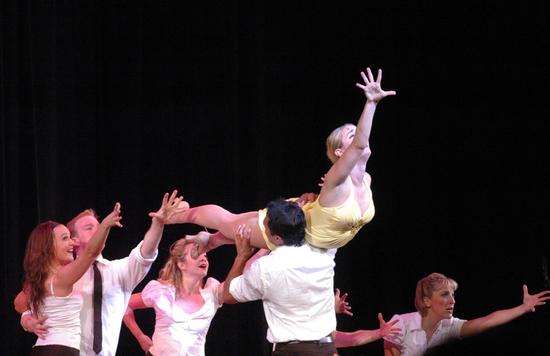 Jessica Lee Goldyn and tonigts dancers-Bobby Pestka, Cameron Adams, Michael Mindlin, Amber Stone, Ryan Worsing, Erica Mansfield, Joe Komara and Alison Solomon