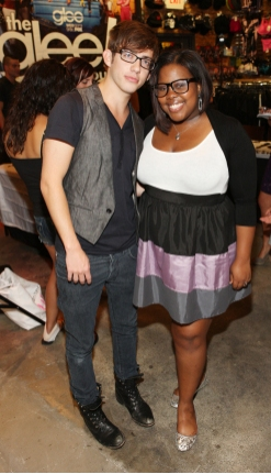 Photo Flash: The GLEE 'GLEEK' Tour Hits The Road