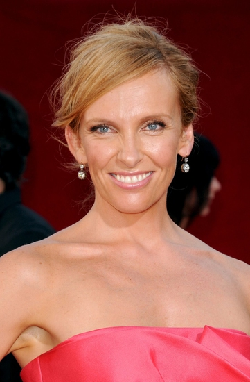 Toni Collette at 2009 Emmy Awards - Arrivals - The Women
