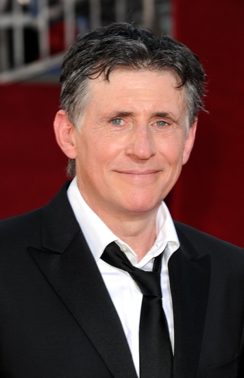 Gabriel Byrne  at 2009 Emmy Awards - Arrivals - The Men