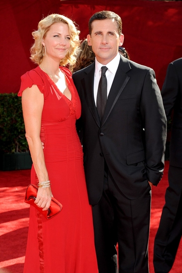 Nancy Walls Carell and husband Steve Carell at 2009 Emmy Awards - Arrivals - The Men