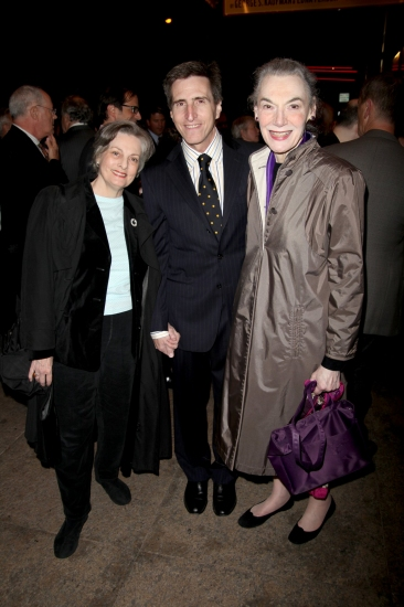 Photo Coverage: THE ROYAL FAMILY - Opening Night Arrivals