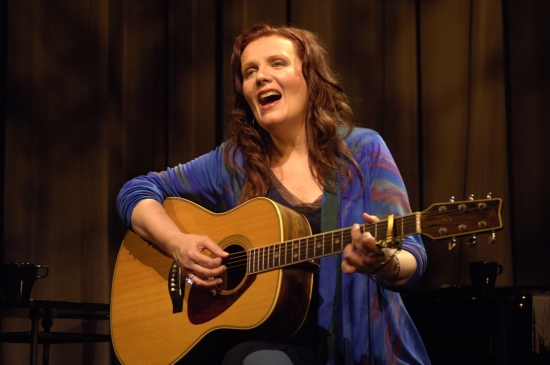 Photo Flash: Maureen McGovern stars in LONG AND WINDING ROAD