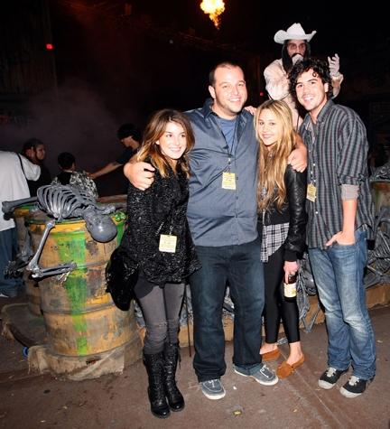 Shenae Grimes, Daniel Franzese, Amanda Bynes and Blake Lee  Photo