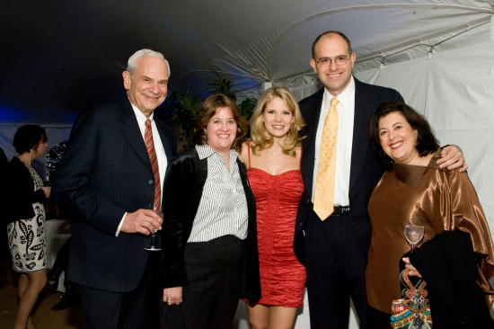 Kelli O'Hara with author and host Susan Isaacs, husband Elkan Abramowitz and Chairs Leslie and Andy Abramowitz