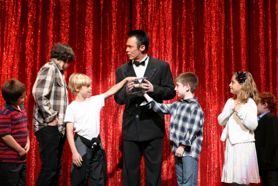 Lance Burton and children from the audience