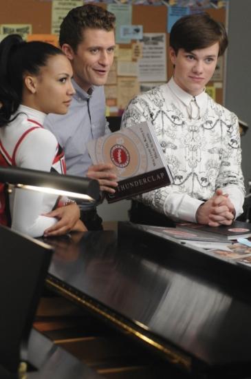 Photo Flash: GLEE - Episode Sneak Peek - 'Mattress'
